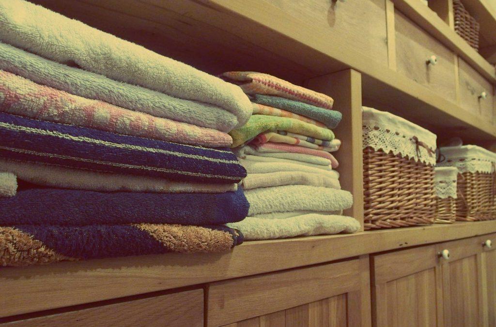 tidy kids - arrange the towels